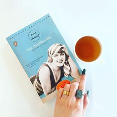 Distraction free reading with Wanderlust Ringly. |   @ofearthlydelights