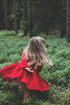 "Paade Mode SS15  ""My true nature"" Summer, kids, Forest, wild, nature, happy childhood, happy family, red, strowberries, photo @vikaniska , style @kidsgazette"