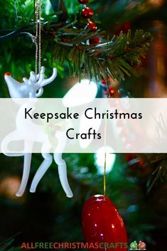 These 13 Christmas Keepsake Crafts are heartfelt projects that capture important Christmas memories of the past to pass on for generations. Vintage Christmas Crafts, Homemade Christmas Gifts, Retro Christmas, Christmas Crafts For Kids, Vintage Holiday, Country Christmas, Christmas Projects, Simple Christmas, Holiday Crafts