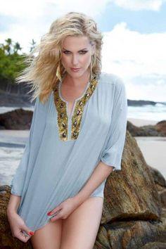 Ana Hickmann assina coleção de roupas femininas