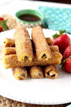 Nutella French Toast Roll-Ups. A fun finger-friendly treat for breakfast or brunch. Filled with Nutella soaked in custard sauteed and rolled in cinnamon sugar! French Toast Roll Ups, Nutella French Toast, Best French Toast, Breakfast Dishes, Breakfast Recipes, Brunch Recipes, Dessert Recipes, Tea Recipes, Recipies