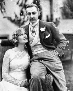 Dolores Costello & John Barrymore on their wedding day ♥️♥️ What a beautiful couple Old Hollywood, Golden Age Of Hollywood, Hollywood Glamour, Classic Hollywood, Hollywood Couples, Barrymore Family, John Barrymore, Celebrity Couples, Celebrity Weddings