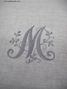 monogramme brod m sur toile de lin autres home d co par amd a coudre sur alittlemercerie. Black Bedroom Furniture Sets. Home Design Ideas