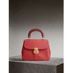 Burberry The Medium DK88 Top Handle Bag (€2.465) ❤ liked on Polyvore featuring bags, handbags, shoulder bags, leather purses, genuine leather handbags, leather over the shoulder bags, over the shoulder handbags and burberry purses
