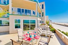 Bluewater Vacation Homes: Rockaway Oceanfront - San Diego, California