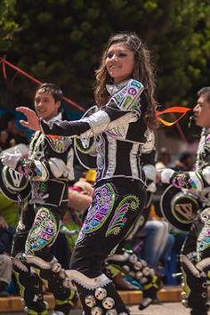 Acabo de compartir la foto de Ronald Alex Espinoza Marón que representa a: Caporales (saya)