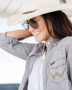 2750126a8c Women s Long Sleeve Western Snap W Stitching on Pocket Denim Shirt