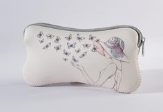 A28232 Style & Gracie Cosmetic Case- This Style and Gracie cosmetic case is the perfect size for keeping all your daily essentials together #Enesco #Style #Useful