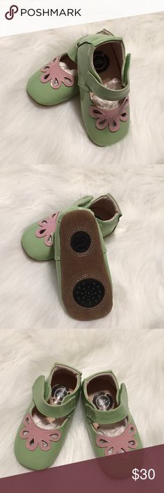 Livie & Luca Petal Summer Sandal in Green NWOT size 18-24 months however most definitely are more like a toddler 4. Never worn because they were meant for Easter and were too big! Super Cute!!! Livie & Luca Shoes
