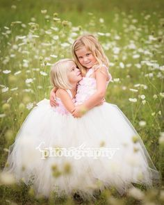 I am a natural light photojournalistic Children & Family. Natural Light Photographer, Children And Family, Senior Photography, Sibling, Family Photographer, Flower Girl Dresses, Photoshoot, Lifestyle, Portrait