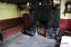 peat fires in old Irish cottages 1920s Kitchen, Victorian Kitchen, Old Fireplace, Fireplaces, Kitchen Interior Inspiration, Forest Cottage, Orkney Islands, Fire Surround, Irish Cottage