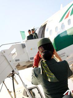 Say cheese! #Alitalia #a321 #airbus #crew #flightattendant #airport #fiumicino