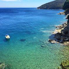 Oggi vi portiamo alla spiaggia di #MarinadiGennaro a #riomarina con lo scatto di @lucreziamuti. Continuate a taggare le vostre foto con #isoladelbaapp il tag delle vostre vacanze all'#isoladelba  http://ift.tt/1NHxzN3