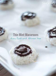 These easy Low Carb Thin Mint Macaroon cookies taste like your favorite thin mint candies! Low Carb, Dairy Free, Gluten Free **use Swerve Low Carb Sweets, Low Carb Desserts, Low Carb Recipes, Dessert Recipes, Healthy Recipes, Baking Desserts, Gluten Free Cookie Recipes, Gluten Free Cookies, Gluten Free Baking