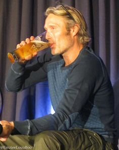mads mikkelsen, red dragon convention in london 10.17.15