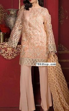Online Indian and Pakistani dresses, Buy Pakistani shalwar kameez dresses and indian clothing. Pakistani Suits, Pakistani Dresses, Fashion Dresses, Women's Fashion, Chiffon Dresses, Shalwar Kameez, Draping, Indian Outfits, Bell Sleeve Top