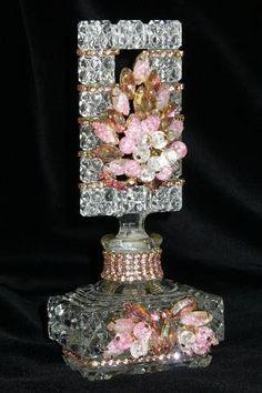 Antique Bejeweled botella de perfume 14 Por Debbie Del Rosario Antique, Perfume, Weiss, Rhinestones, vidrio, cristal, de estilo victoriano, por cristina