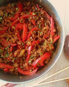 Stir fry z mięsa mielonego / Ground Meat Stir Fry Ground Meat, Ratatouille, Stir Fry, Paella, Chili, Fries, Ethnic Recipes, Food, Ground Beef