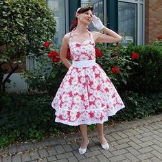 gorgeous rockabilly dress pattern - free lots of links to vintage dress patterns!!!! FREE!~