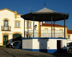 Entre Tejo e Odiana, Coreto Alegrete Portugal, Cool Art, Fun Art, Portuguese, Mansions, Country, House Styles, Places, Buildings