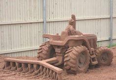 sand sculpture of a tractor. Snow Sculptures, Snow Art, Sand And Water, Land Art, Art Festival, Wood Sculpture, Oeuvre D'art, Amazing Art, Awesome