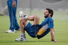 Shahid Afrdi during net session in Kolkata before Paki Inida match
