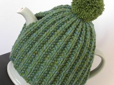 Shamrock Tea Cozy by Kirsty Wallace-Horan free knitting pattern on Ravelry at http://www.ravelry.com/patterns/library/shamrock-tea-cosy