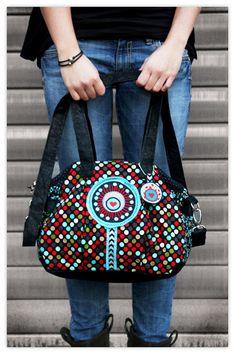 farbenmix Taschenspieler II Schnittmuster Bowling Bags, Patchwork Bags, Sewing Studio, Clutch, Sewing Hacks, Creative, Shoulder Bag, Purses, Pattern