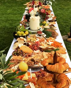A feast fit for a king. Kings Table, Cheese Dessert, Grazing Tables, Shower Inspiration, Party Wedding, Kids Christmas, Scarlet, Prompts, Babyshower