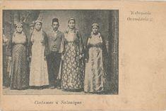 Άννα Αγγελοπούλου: Παλιές Φωτογραφίες από τη Θεσσαλονίκη στις αρχές του 20ού αιώνα: οι γυναίκες της Θεσσαλονίκης Macedonia, Greece, Traditional, Painting, Memories, Costumes, Clothing, Greece Country, Memoirs