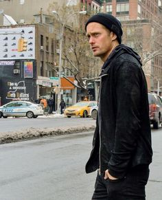 Alexander Skarsgard in New York city :I'm still in denial that this was a pap pic.