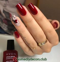 Semi-permanent varnish, false nails, patches: which manicure to choose? - My Nails Fall Nail Art Designs, Acrylic Nail Designs, Red Nails, Swag Nails, Grunge Nails, Red Nail Art, Cute Nails, Pretty Nails, Valentine Nail Art