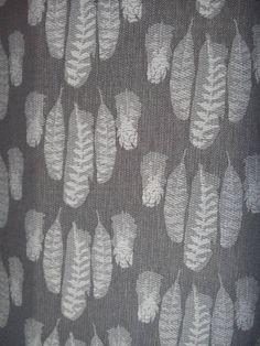 Sling Studio Falling Feathers Voewood. 100% cotton. Baby Wrap Carrier, Woven Wrap, Babywearing, Beautiful Babies, Feathers, Weaving, Wraps, Monochrome, Pattern