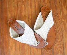 Vintage WHITE LEATHER Boho Flats....size 7 womens...leather. shoes. flats. open backs. urban. hippie. white flats. 80s flats. retro. bonjour...