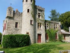 French Chateau for sale in 43 - Haute Loire , Auvergne France. Feudal-style Château dating from the XVth and XIXth centuries, with crenelated walls. The Château offers 1,500 m2 of space in total including the outbuildings and cellars and of this, 500 m2 are habitable living space. Set in 12 ha of land composed of woods, meadows and gardens, river and small waterfall. Caretakers house and an independent apartment in the tower. The Roman chapel is to restore. Situated 10 minutes from…