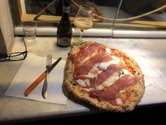Mangiarla è stata una poesia😍😍😍 pizza  is magic in naples!!!⠀ #pizza #Napoli  ⠀ #coldwellbanker #luxury #lusso #realestate #immobiliare #globalluxury #coldwellbankergloballuxury #genblue