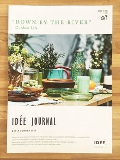 IDEE JOURNAL - beautiful cover layout seems modern and crafty at the same time Leaflet Design, Ad Design, Flyer Design, Book Design, Layout Design, Print Design, Graphic Design Magazine, Magazine Cover Design, Editorial Design