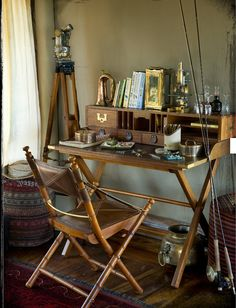 17 Best images about Home Decor: Safari, British Colonial . Vintage Furniture, Furniture Design, Classic Furniture, Furniture Ideas, British Colonial Decor, Colonial Chair, Colonial Furniture, Vintage Safari, Campaign Furniture