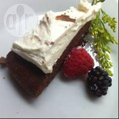 Bizcochuelo de chocolate sin gluten: Una receta básica de bizcochuelo que se puede hacer con harina sin gluten y queda perfecta.