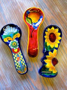Talavera Kitchen Spoon rest contact us for availability 713 880 2105 located in Houston Texas www.barrioantiguofurniture.com