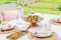 Wie decke ich eine frühlingshafte Tafel für Gäste?  Tipps & Ideen zu Geschirr, Gläsern, Farben und Material.
