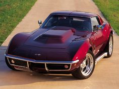 1969 Chevrole Corvette Stingray. Just Love This Car, beautiful color. I rather have it in all black.