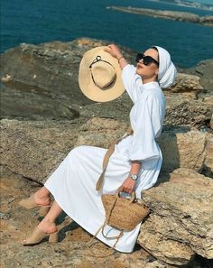 More Than 48 Hijab With Hats Styles- Modest Ways To Wear Caps With ! Hijab with Hats Modest Ways to Wear Caps with Hijab ! Hijab Fashion Summer, Modest Fashion Hijab, Modern Hijab Fashion, Street Hijab Fashion, Hijab Casual, Hijab Fashion Inspiration, Hijab Chic, Muslim Fashion, Hijab Street Styles