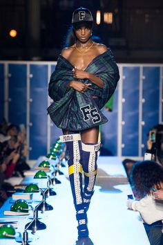 The complete fenty x puma fall 2017 ready-to-wear fashion show now on vogue Hip Hop Fashion, Fashion Week, Fashion 2017, Love Fashion, Runway Fashion, Fashion Models, Winter Fashion, Fashion Outfits, Fashion Design
