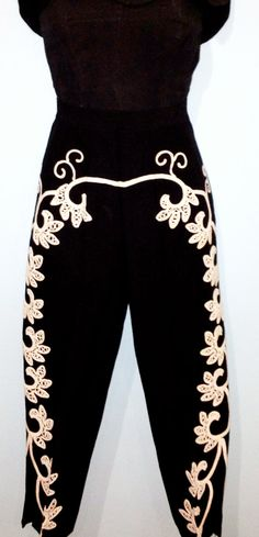 RESERVED Do Not Buy  Vintage 1950s Toreador Matador capri pants XS-S on Etsy, Sold