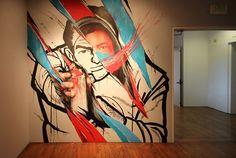 David Meggs Hooke (Foto: Long Beach Museum of Art via Catraca Livre https://catracalivre.com.br/geral/design-urbanidade/indicacao/artistas-de-rua-sao-convidados-a-criar-obras-nas-paredes-de-museu/#jp-carousel-903609)
