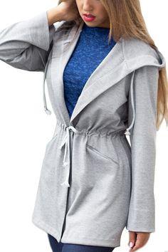 Este características casaco com capuz pescoço com cordão, bolso lateral e gravata cintura, mostrando um estilo casual. Você poderia colocar sobre ele com um jeans skinny e um par de tênis branco no outono. Basta escolher este casaco para o seu uso diário para desfrutar do seu tempo de lazer.
