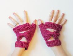Bow Tie Fingerless Mittens