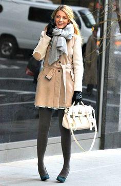 「10日 ブレイク・ライブリー ドラマ『Gossip Girl』撮影現場にて セリーナ衣装★」の画像|海外セレブ最新画像・私服ファッション・… |Ameba (アメーバ)