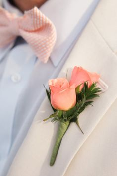 Peach Rose Boutineer - Lindsey and Dave's Regatta Place Wedding | The Newport Bride